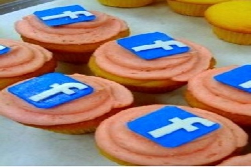 facebook-cupcakes-by-sweettoothfairy
